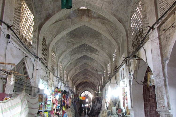 Gheisariyeh bazaar of Lar|  A model of Iranian historical bazaars