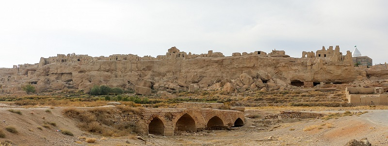 Izadkhast Historical Complex | World's second largest mud-brick structure