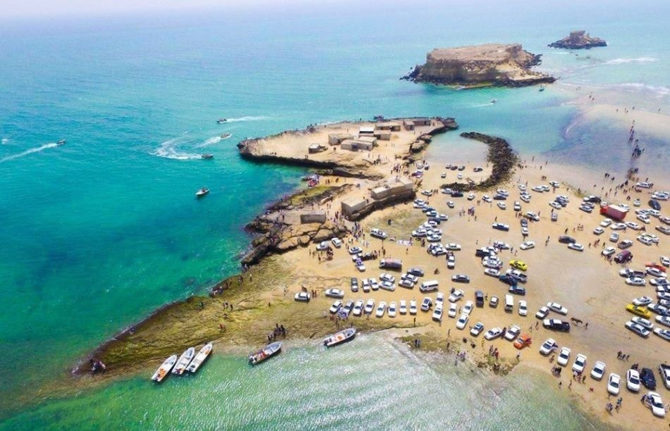 Hengam Island | A perfect island to watch dolphins
