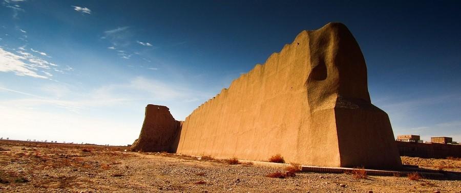 Damghan's city wall