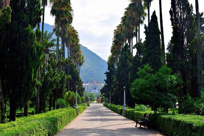 Moalem Boulevard of Ramsar