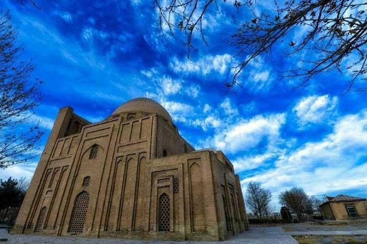 The architecture of Ferdowsi's Tomb