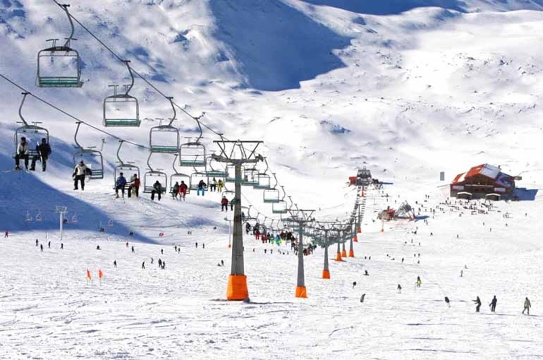Tochal Ski Resort in tehran capital of iran